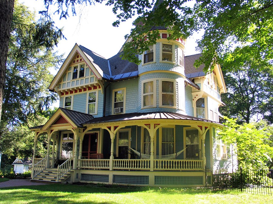 Miss moss victorian style homes Styles of houses