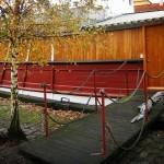 boat-walkway