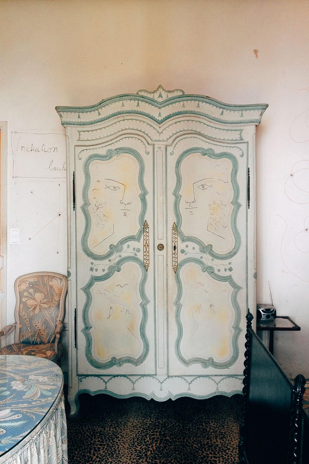 Santo Sospir: The Tattooed Villa
